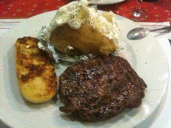 Aberdeen Steakhouse: Delicious 200 GR Rib Eye!