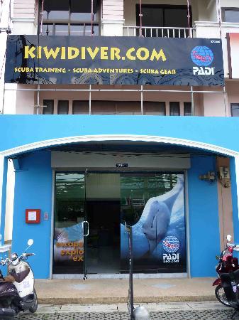 Kiwidiver Dive Centre: The shop