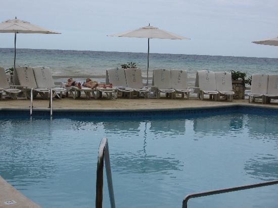 Couples Sans Souci: mineral pool