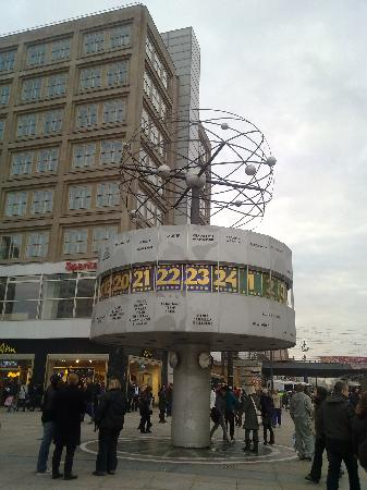 Berlin Dec 2010 - alexanderplatz (2)