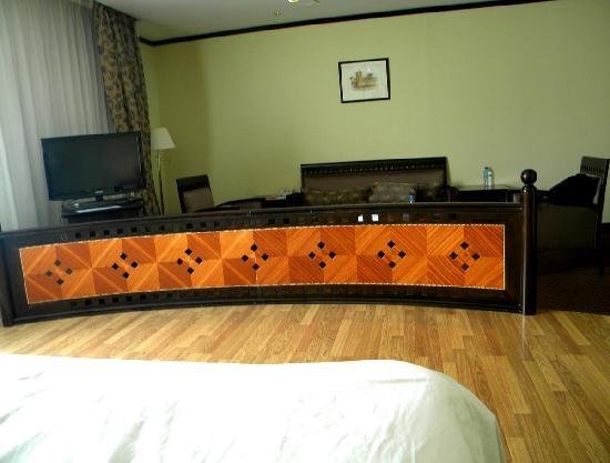 Imperial Suites Hotel: Room