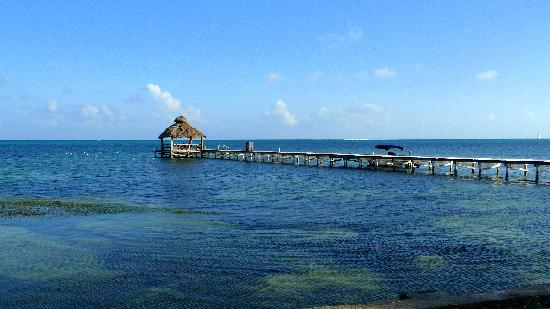 Xanadu Island Resort: The pier