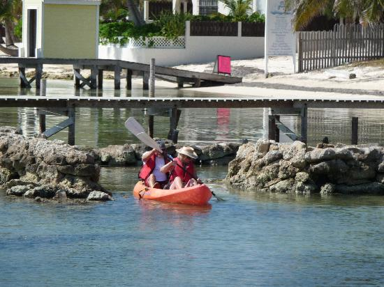 Xanadu Island Resort: Kayaking to the reef