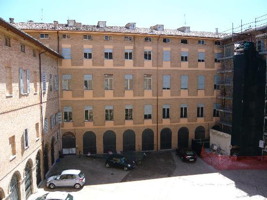 Albergo San Domenico: La Cour