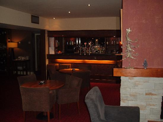 Clandeboye Lodge Hotel: The bar area
