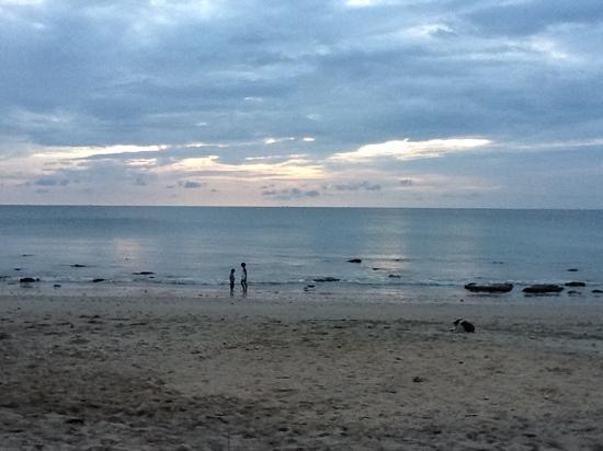 Lanta Summer House: uitzicht vanaf de strandbar