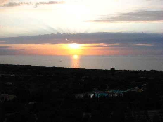 Hotel Club Costa Verde : Sunset from the room