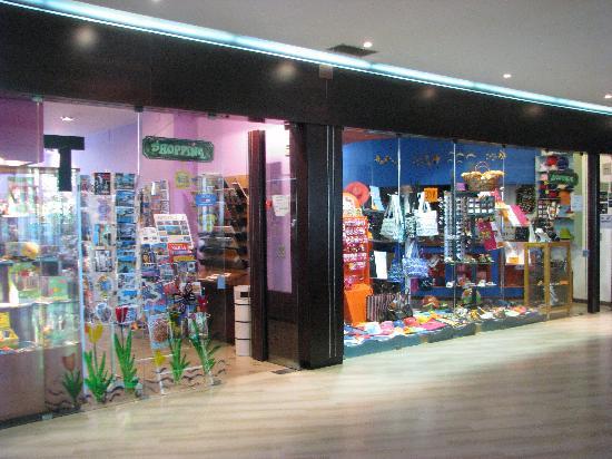 Hotel Club Costa Verde: Shops inside the hotel