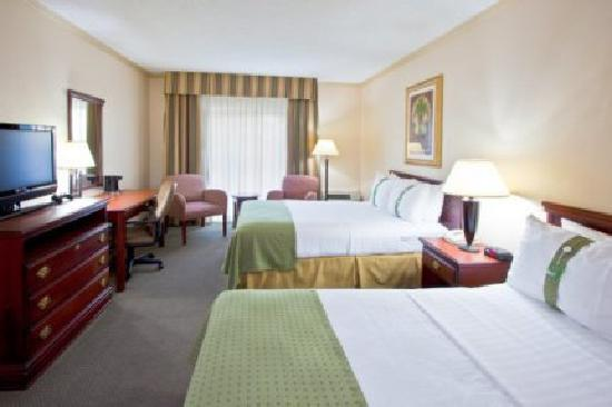 Centerstone West Chester Inn: Simple Room