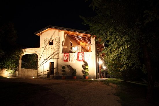 Castellaro Lagusello, Италия: getlstd_property_photo