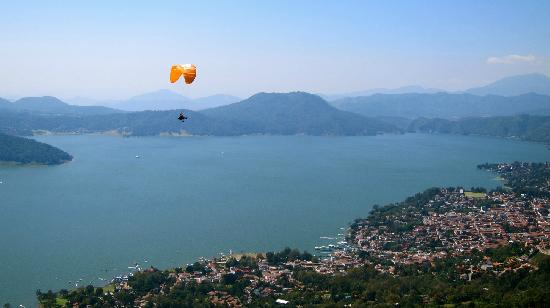 Valle de Bravo, México: We have lift off