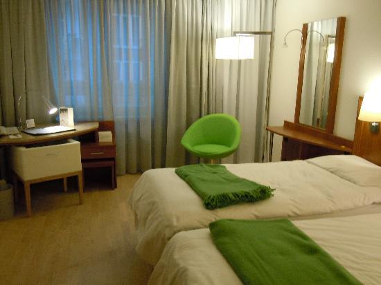 NH Hamburg Altona: Bedroom 151