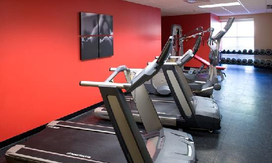 Country Inn & Suites By Carlson, Knoxville at Cedar Bluff: Fitness Center offers Commercial Grade Nautilus Equipment