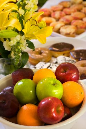 Country Inn & Suites By Carlson, Knoxville at Cedar Bluff: Free Hot Breakfast offers waffles, fresh fruit, pastries and more.