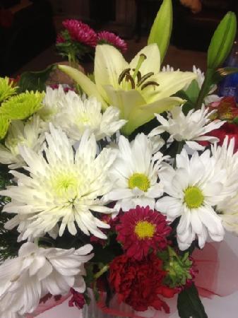 Dileo's Italian Deli: flowers