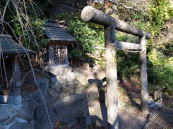 Tanna Shrine: 山神社