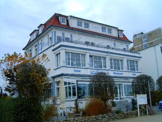 Photo of Hotel Strandschloesschen Lübeck