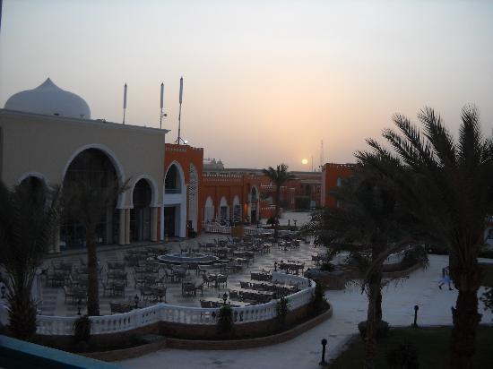 SUNRISE Garden Beach Resort -Select- : terrasse de l'hôtel