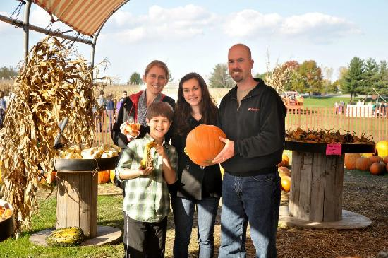 Long Acre Farms: Picking out the perfect pumpkin