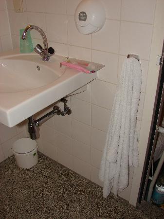 Hotel van Onna: Único lugar que achei para pendurar a toalha