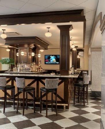 Hotel Blackhawk, Autograph Collection: Bix Bistro Bar