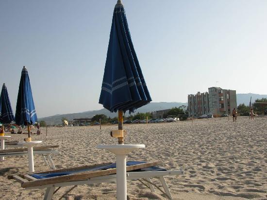 L'Hotel Daulia visto dalla spiaggia