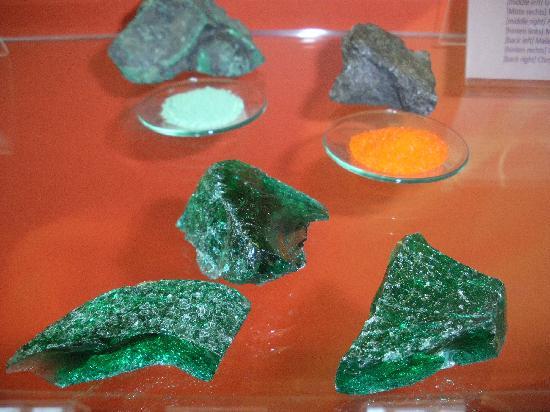 Europaisches Museum fur Modernes Glas: rohstoffe
