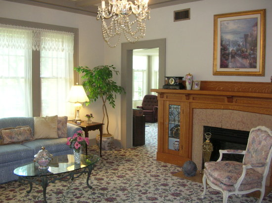 Magnolia House Bed and Breakfast: Relax and unwind