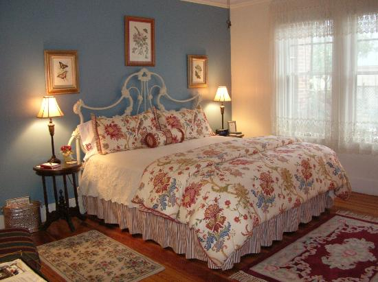 Magnolia House Bed and Breakfast: Our rooms are spacious and comfortable