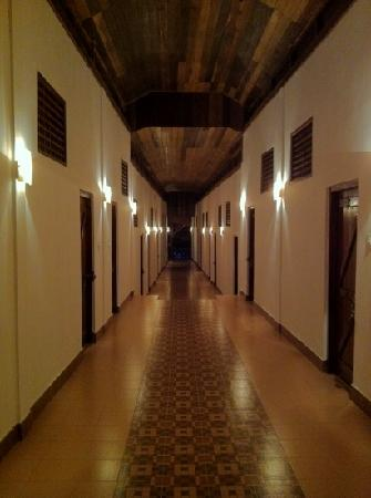 Sea Princess Beach Resort: hotel corridor