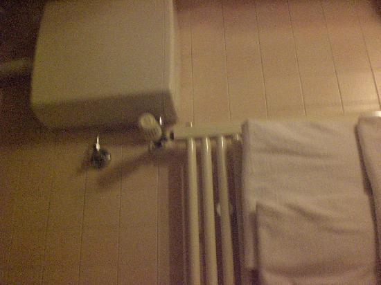 Hotel ai do Mori: aquecedor toalha