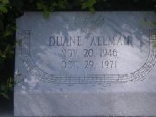 Rose Hill Cemetery: Up close pic of duane