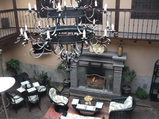 Tierra Viva Cusco Plaza : The lovely courtyard.