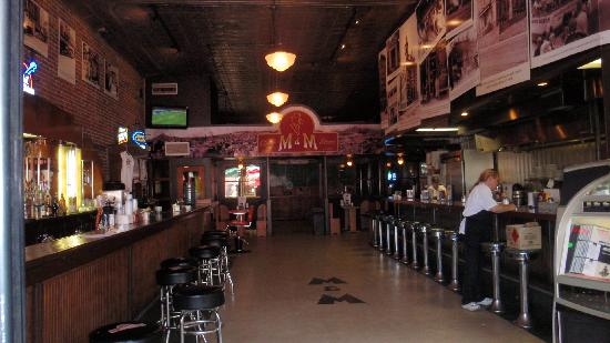 M&M Cigar Store: Picture of bar