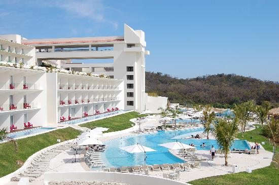 Secrets Huatulco Resort & Spa : From the Lunch/Spa Place