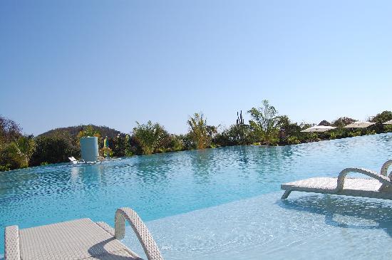 Secrets Huatulco Resort & Spa : Poolside