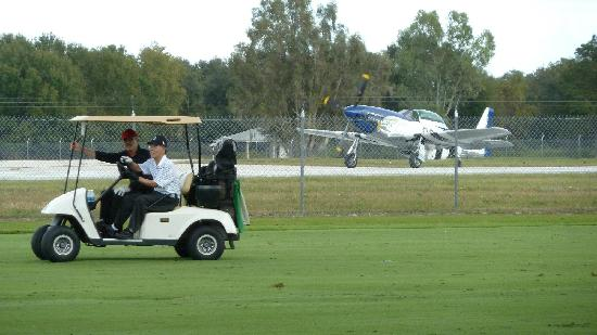 Kissimmee Golf Club: First fairway, par 5, Kissimmee golf course next to Kissimmee airport