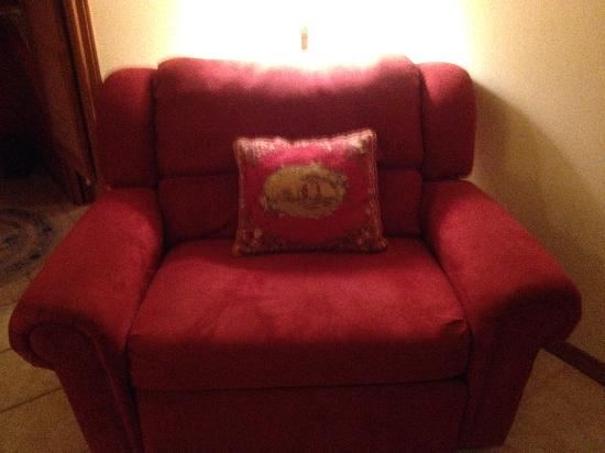 "Serenity Farmhouse Inn: ""come here and chat,"" beckons the comfy chair"