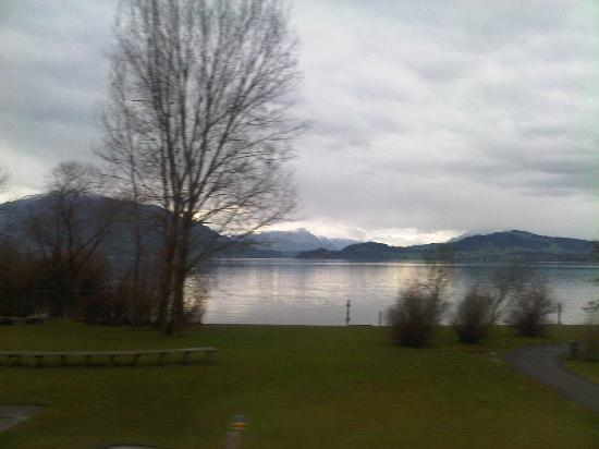 ลิมมาทโฮฟ: Lucern lake
