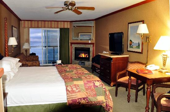 Elizabeth Oceanfront Suites: This is the room we had (#316)
