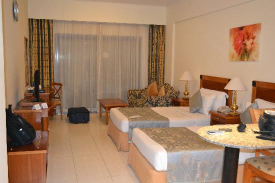 Savoy Park Hotel Apartments: Inside Room