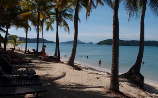 Sunset Beach Resort : The beach