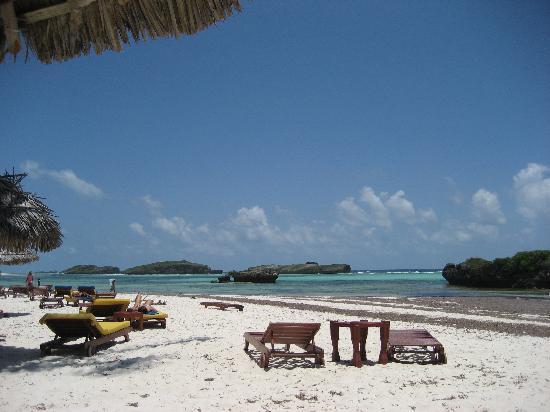 Crystal Bay Resort: la spiaggia