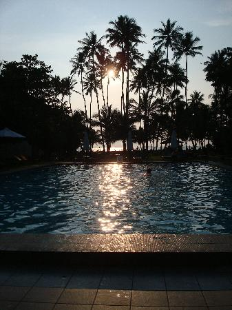 Hotel Mermaid & Club: Sunset at hotel