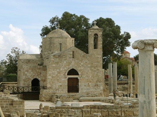 Chrysopolitissa-Kirche: Eine kleine Kirche auf dem Gelände der riesigen Basilika
