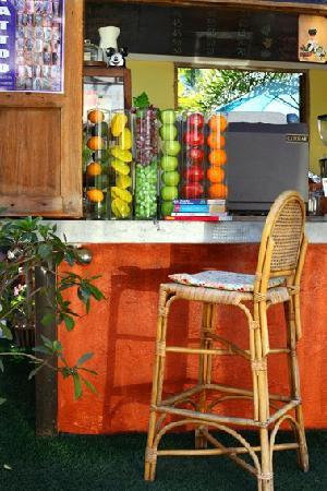 Muan Baan : the bar at the front