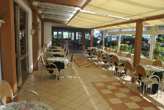 Hotel Record: veranda