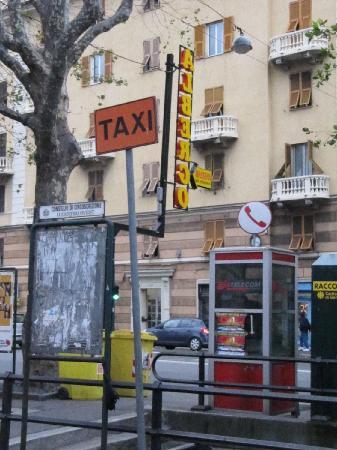 Hotel Massena: albergo massena insegna e direzione