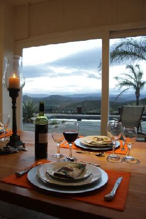 De Rust View Guest House: Karoo flavours like ostrich is on the menu at De Rust View