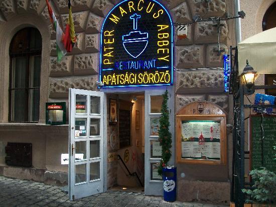 Carlton Hotel Budapest: restaurant